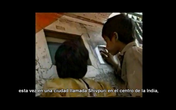 Al ver el video elige los subtítulos en español (o en el idioma que desees)